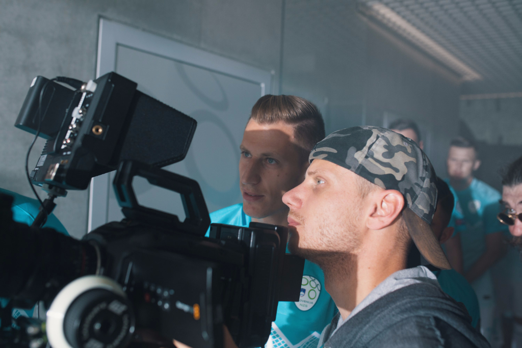 Valter Birsa checking-the-gate with director